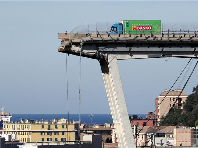 Катастрофа в Генуе глазами очевидцев: «Я увидел, как дорога уходит вниз и я падаю» - ФОТО – ВИДЕО