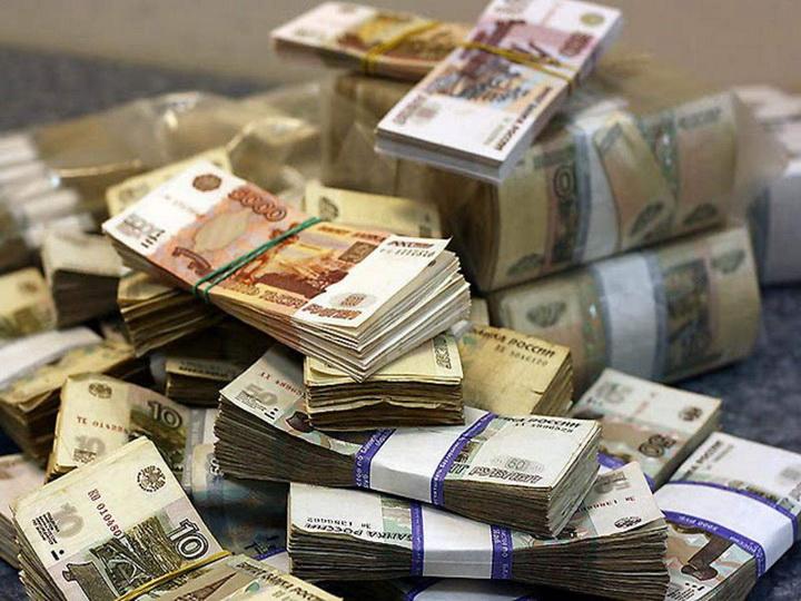 Мошенники обнулили банковский счет россиянки, переведя деньги в Баку
