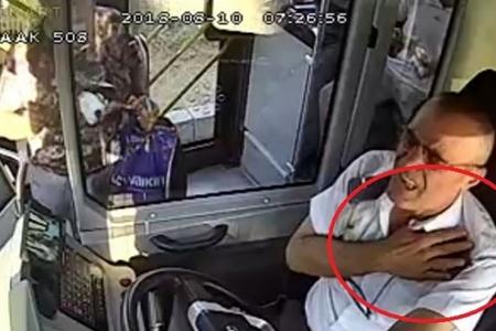 В Турции водитель с инфарктом предотвратил трагедию – ВИДЕО