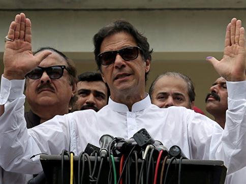 Имран Хан принес присягу в качестве нового премьера Пакистана