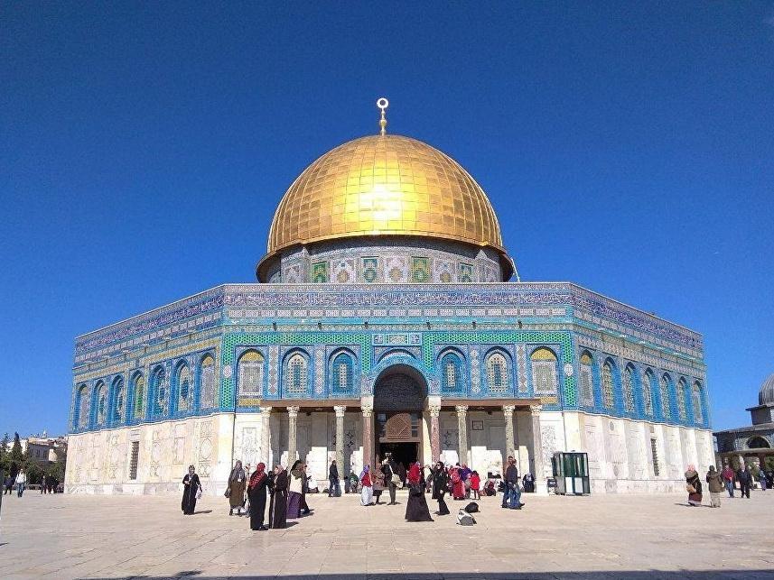 Аббас призвал власти Израиля открыть мечеть Аль-Акса
