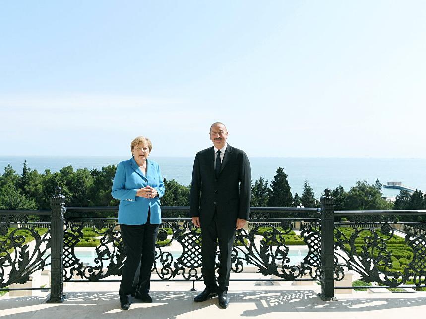Азербайджан как ключевой пункт в южнокавказском турне Меркель – ФОТО