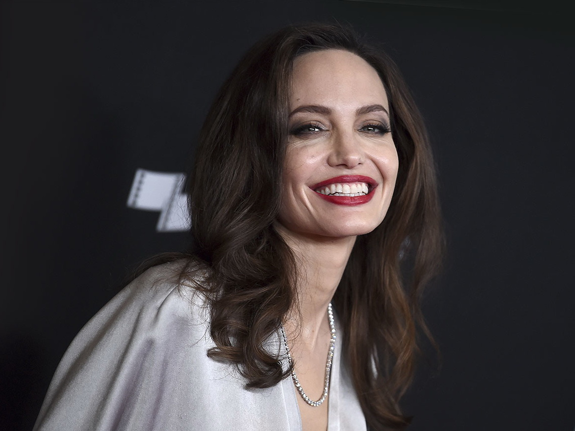 Анджелина Джоли призналась в чувствах к Брэду Питту