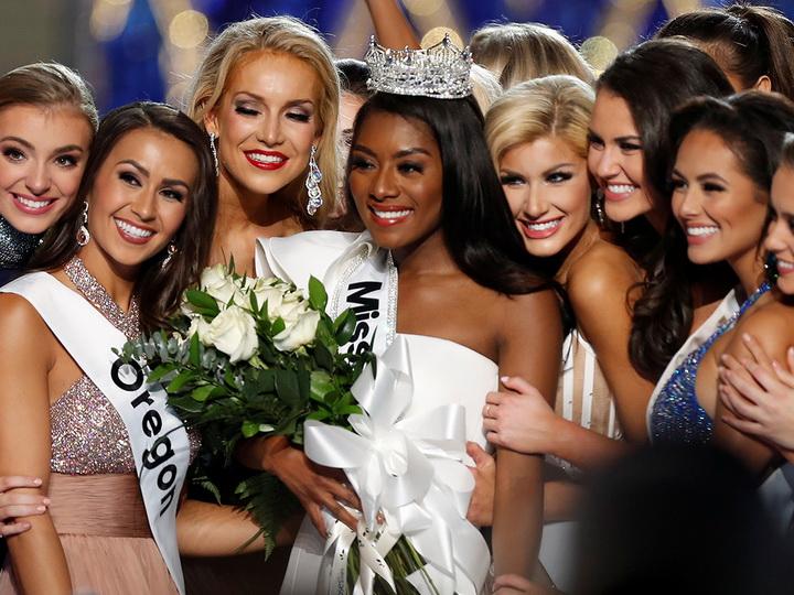 Красота по-американски: названа самая красивая девушка США - ФОТО
