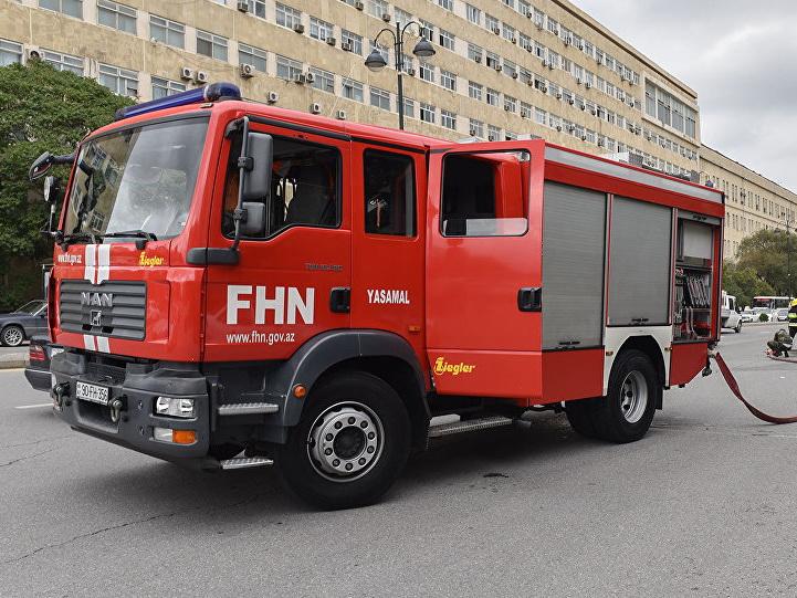 Загорелся один из детских садов Баку, дети эвакуированы