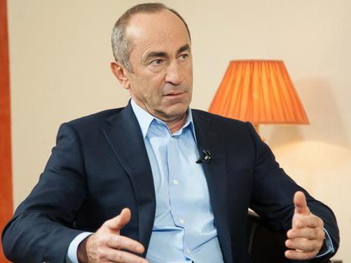Роберт Кочарян: Можно поздравить народ Армении с новым диктатором