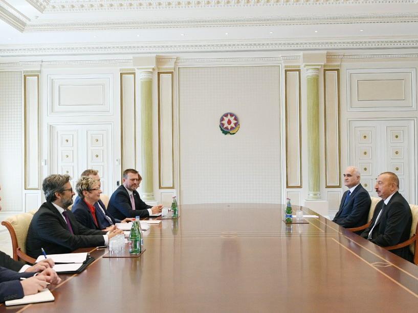 Президент Ильхам Алиев принял делегацию во главе с министром промышленности и торговли Чехии - ФОТО