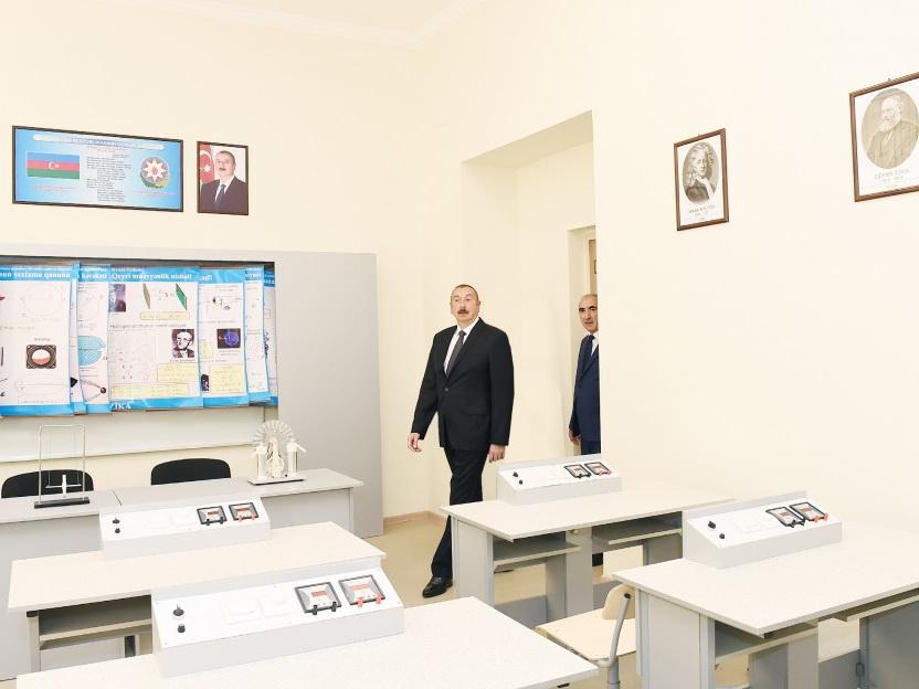 Президент Ильхам Алиев ознакомился с условиями, созданными в лицее №2 в Баку - ФОТО
