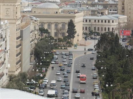 Закрываются центральные дороги Баку