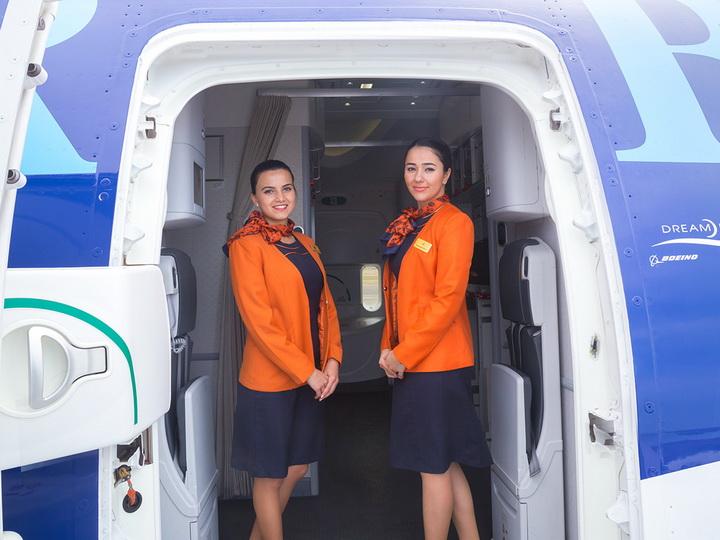 AZAL объявляет набор девушек-бортпроводников
