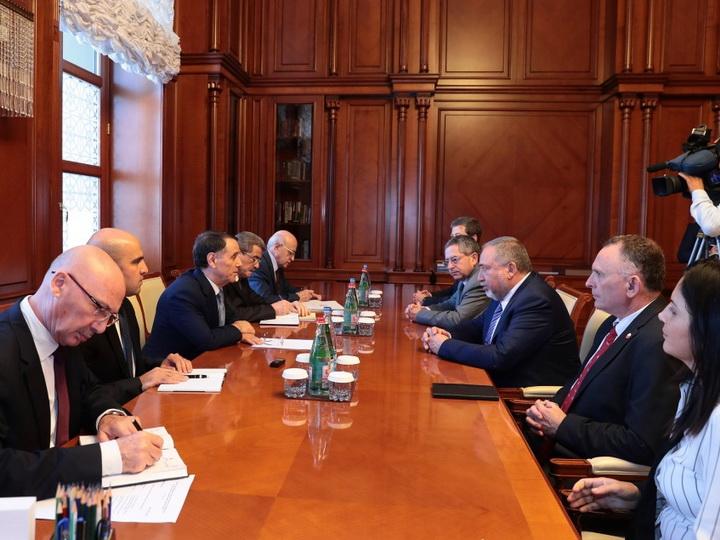 Премьер-министр Азербайджана встретился с министром обороны Израиля - ФОТО