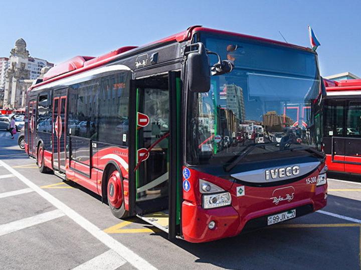 В Баку изменяется путь движения 18 автобусных маршрутов