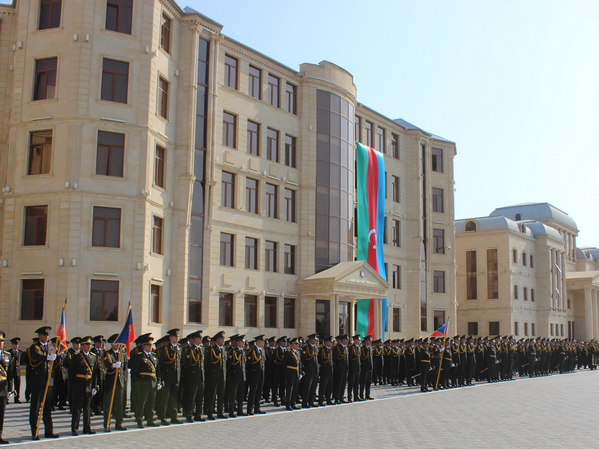 Церемония принятия присяги курсантами состоялась в Высшем военном училище Внутренних войск АР