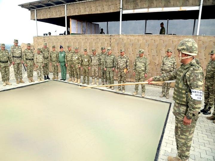 Ordumuz genişmiqyaslı təlimlərdə gündüz vaxtı döyüş atışları keçirib – FOTO – VİDEO