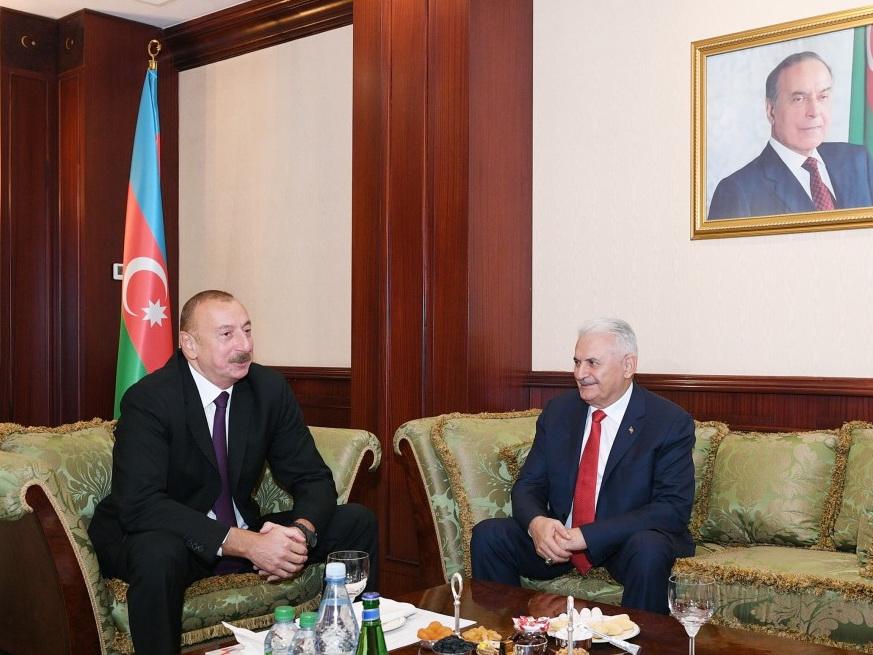 Президент Азербайджана встретился с председателем Великого Национального собрания Турции - ФОТО