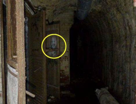 Yeraltı bunkerdə ruhların şəklini çəkdi – FOTO