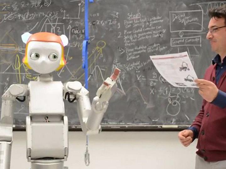В Азербайджане началось применение образовательных роботов в учебном процессе