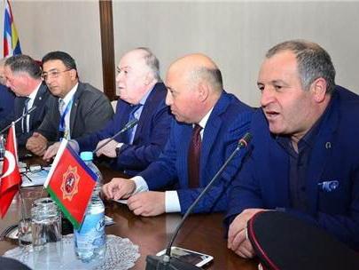 Армяне подняли в Турции флаг карабахских сепаратистов, утверждают в турецкой организации - ФОТО