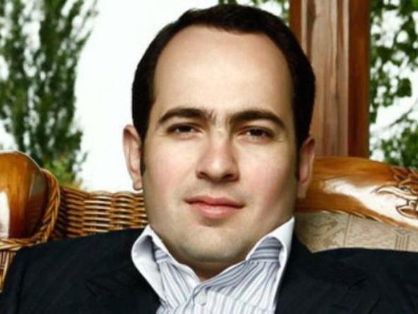 Сын Роберта Кочаряна подал в суд иск против директора СНБ