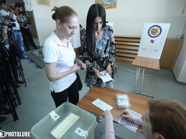Явка на выборы мэра Еревана оказалась низкой