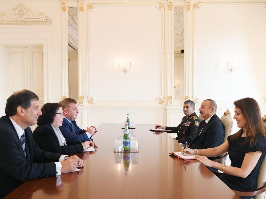 Президент Азербайджана принял делегацию во главе с вице-премьером Болгарии