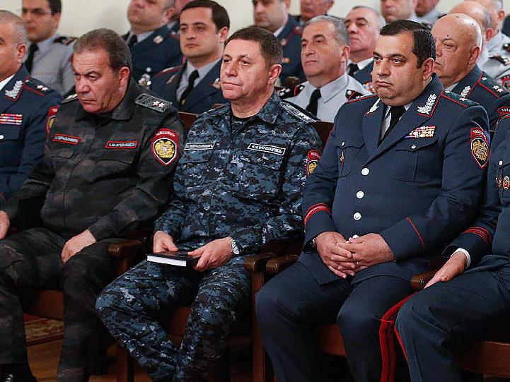 Бывшему командующему войсками полиции Армении предъявлено обвинение
