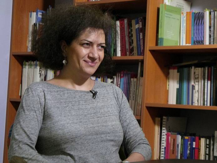 Жена Пашиняна организовала незаконный визит российских женщин на оккупированные территории АР