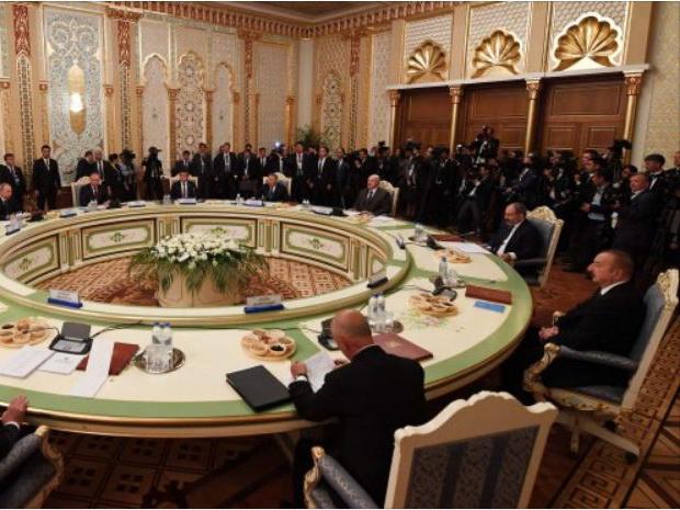 Нагорно-карабахский конфликт: на фоне визита президента России в Баку и саммита СНГ в Душанбе