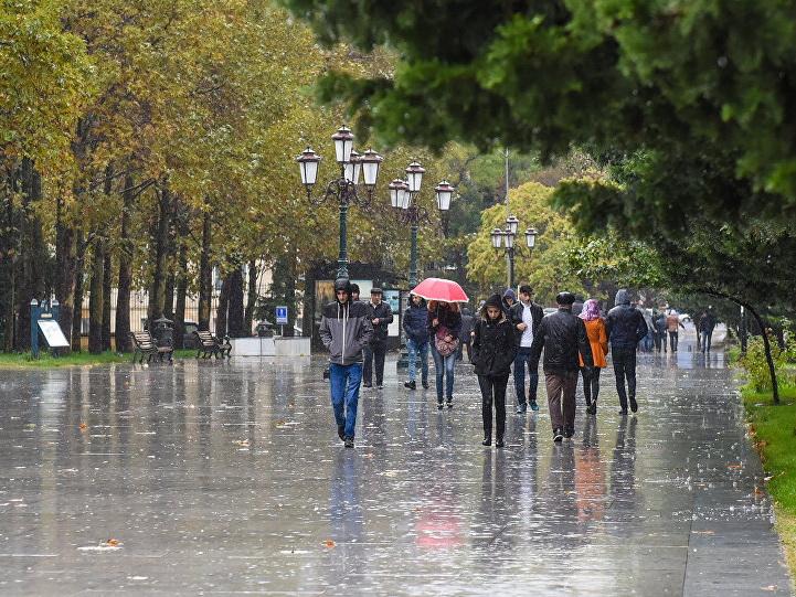В пятницу на Абшероне дождливо и ветрено