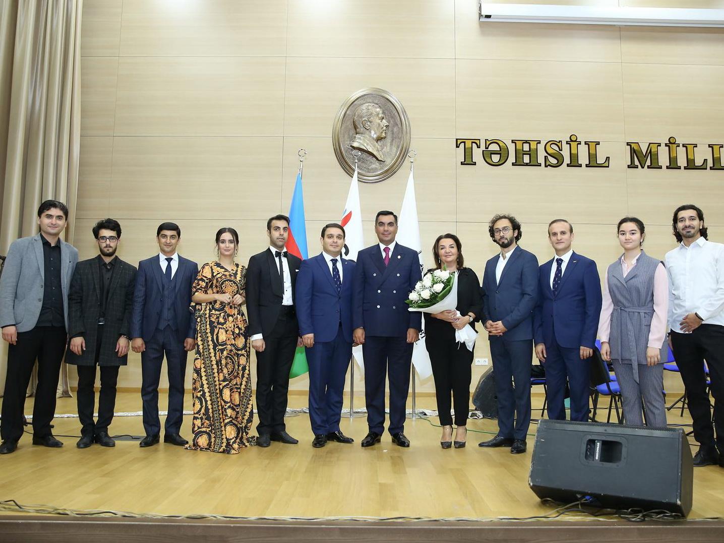 Бакинская музыкальная академия в Бакинской высшей школе нефти - ФОТО
