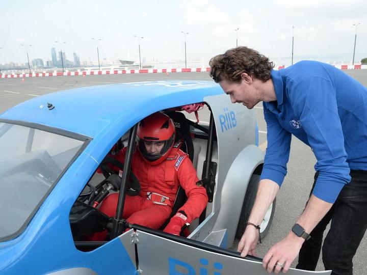 Азербайджанская автомобильная федерация проводит уроки по дрифту - ФОТО