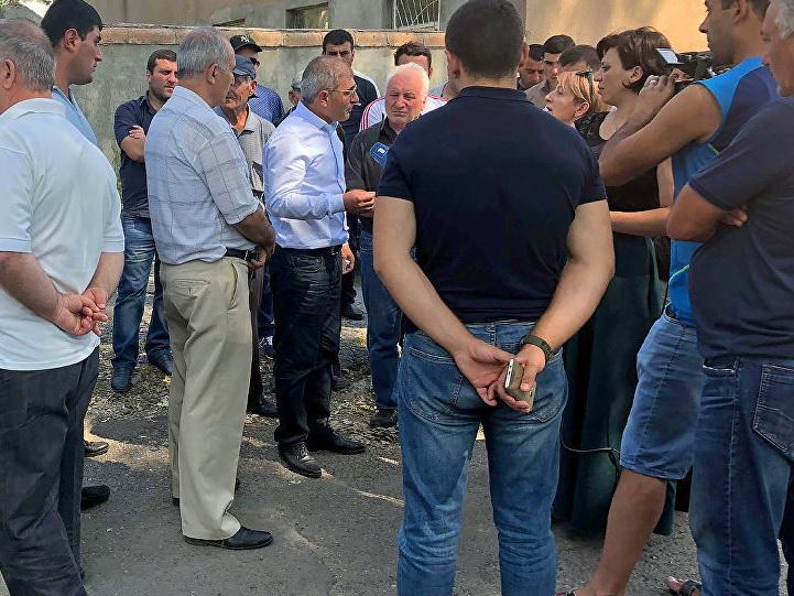 В Армении напали на блогеров, обвинив их в контрреволюции