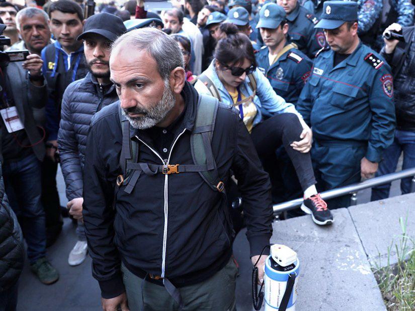 «Анархия в Армении» - статья Washington Times о постреволюционной Армении