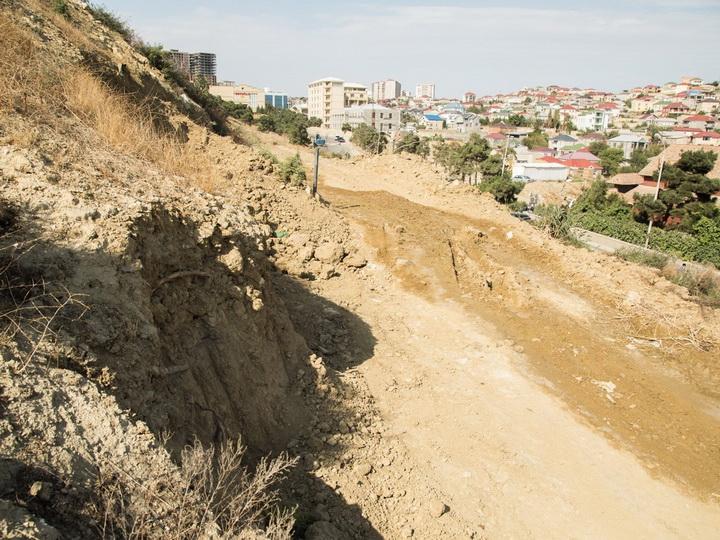 В Баку произошел сильный оползень - ФОТО