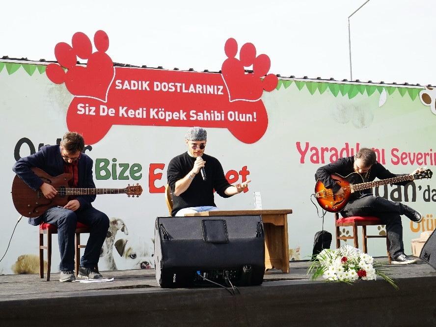 Эльнур Гусейнов дал концерт в турецком приюте для бездомных животных - ФОТО – ВИДЕО