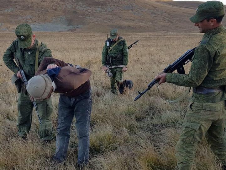 Российские пограничники задержали гражданина Турции: пытался пересечь границу с Арменией
