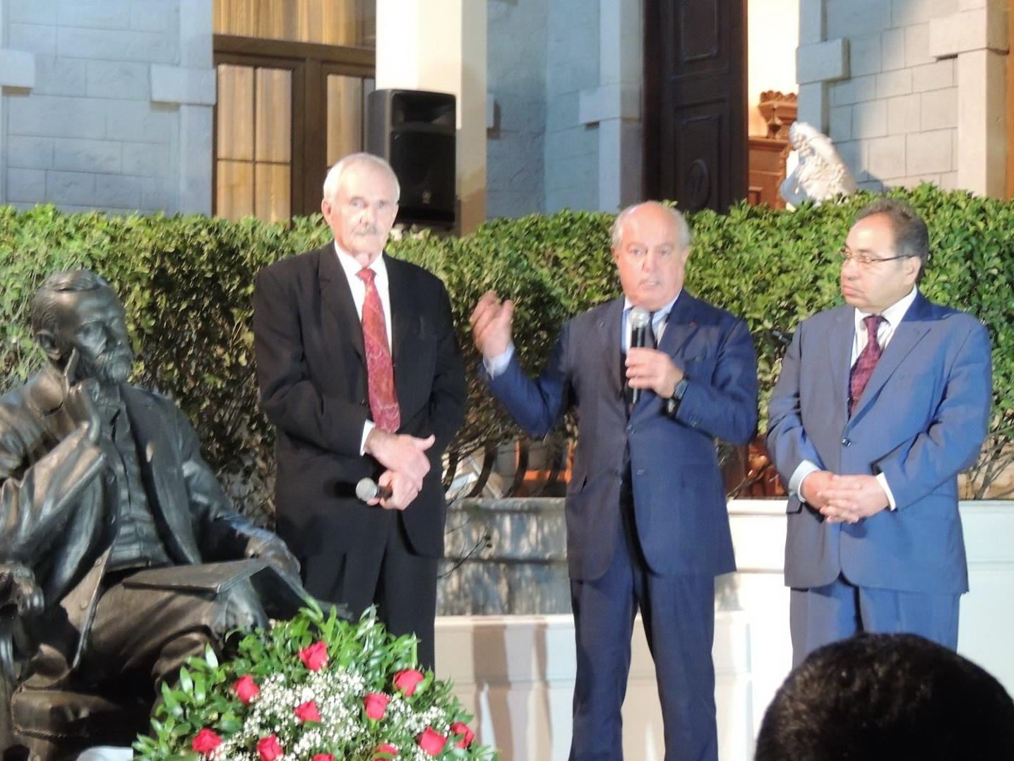 В Баку открыт памятник Альфреду Нобелю – ФОТО