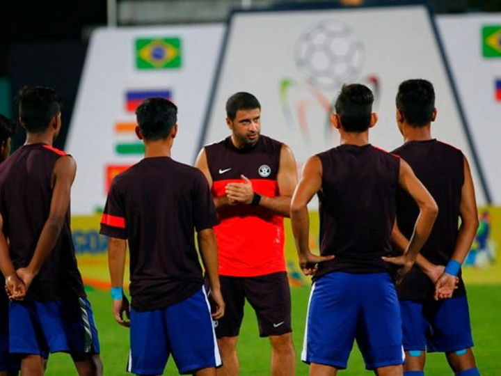 В Азербайджане футболист избил главного тренера