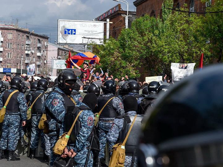 Армянские полицейские отказываются служить на армяно-азербайджанской границе