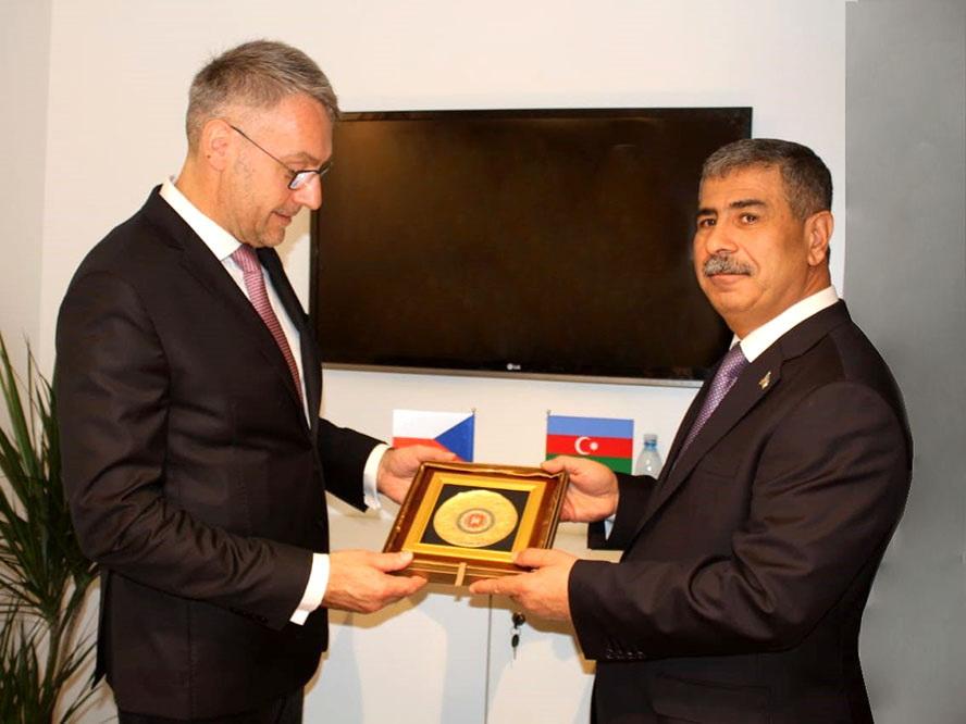 Азербайджан развивает военное сотрудничество с Чехией - ФОТО