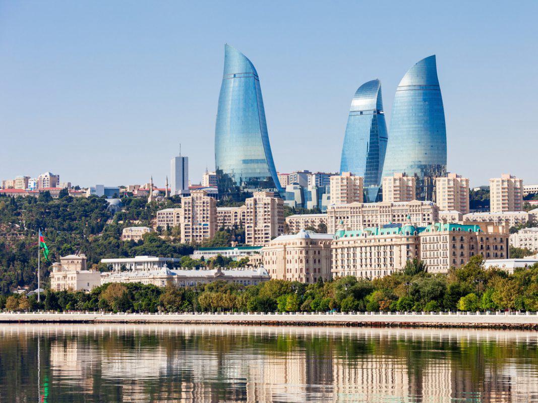 В Баку проходит первый Национальный туристический саммит