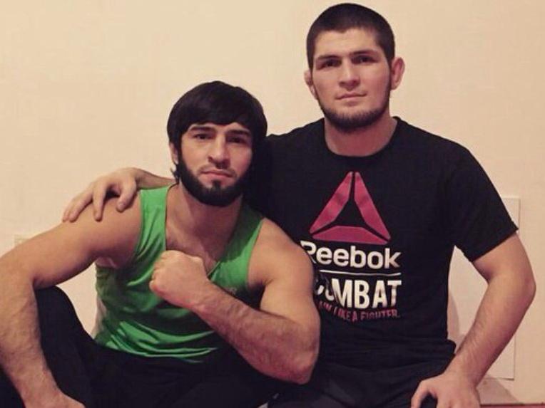 UFC исключил друга Хабиба Нурмагомедова за нападение на МакГрегора