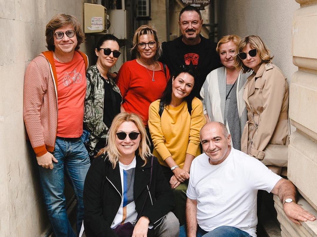 Певец Максим Леонидов с супругой отдыхают в Баку – ФОТО
