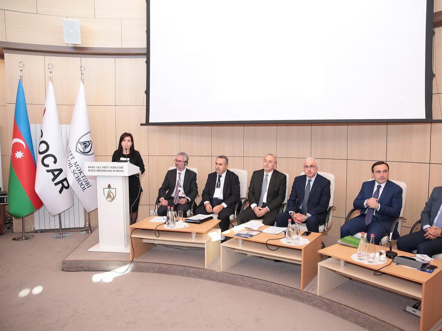 В Баку обсуждают последствия глобальных изменений в энергетической отрасли в регионе Каспия и Центральной Азии - ФОТО