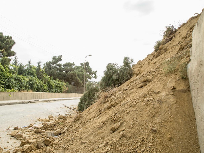 В Бадамдаре грунт движется в сторону дороги - ОБНОВЛЕНО