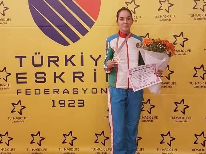 Азербайджанская фехтовальщица завоевала «бронзу» в Турции