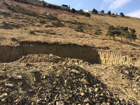В оползневой зоне на Бадамдаре образовались новые трещины