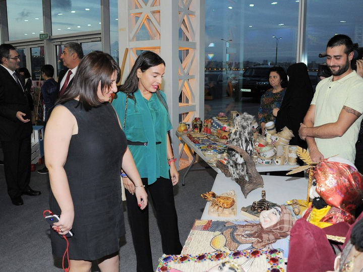 В Баку открылась II молодежная выставка на тему «Экологические проблемы и пути их решения глазами студентов» - ФОТО