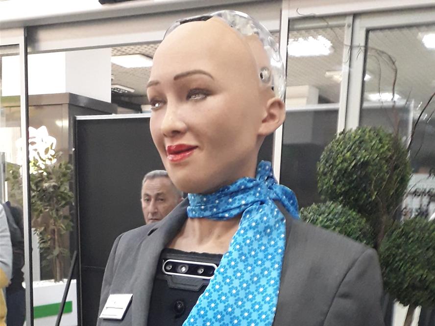 Робот София дала интервью журналистам в Баку – ФОТО – ВИДЕО