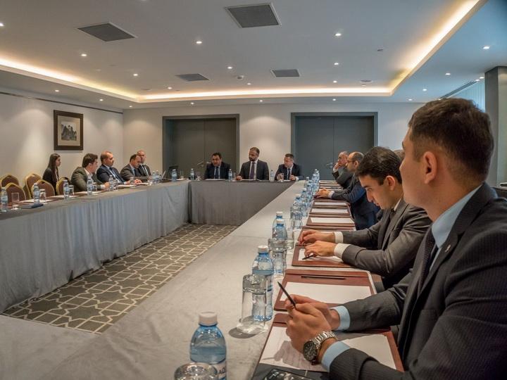 В Баку состоялось заседание комитета по энергетике Caspian European Club – ФОТО